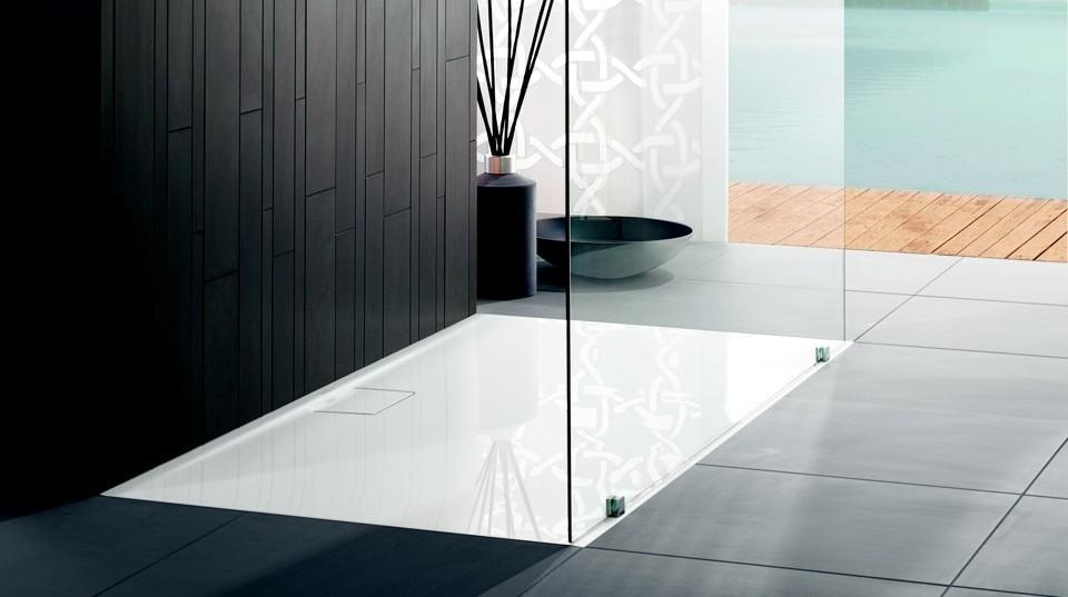 Aranżacja łazienki z brodzikiem posadzkowym Villeroy & Boch Architectura